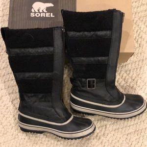 SOREL Helen of Tundra II black leather boot